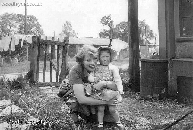 Eileen Connell & daughter Annette at Ganger Camp