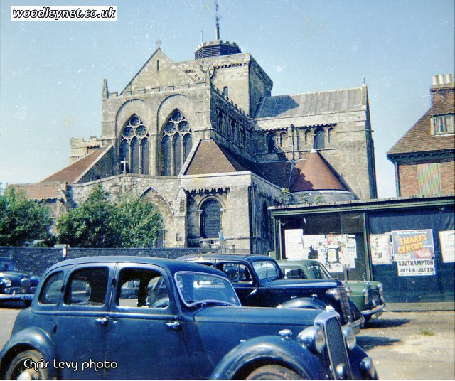 Romsey Abbey 1959, old Guards Store on right