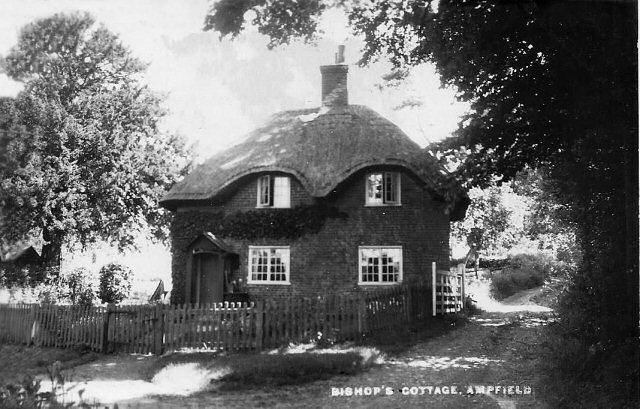 Bishops Cottage Ampfield